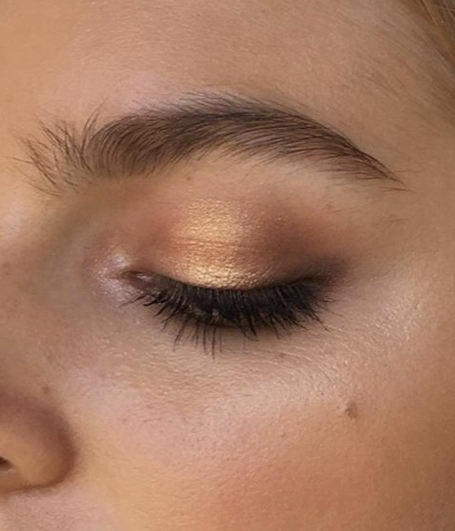 lovely makeup eyeshadow / gold / bronze / summer vibes