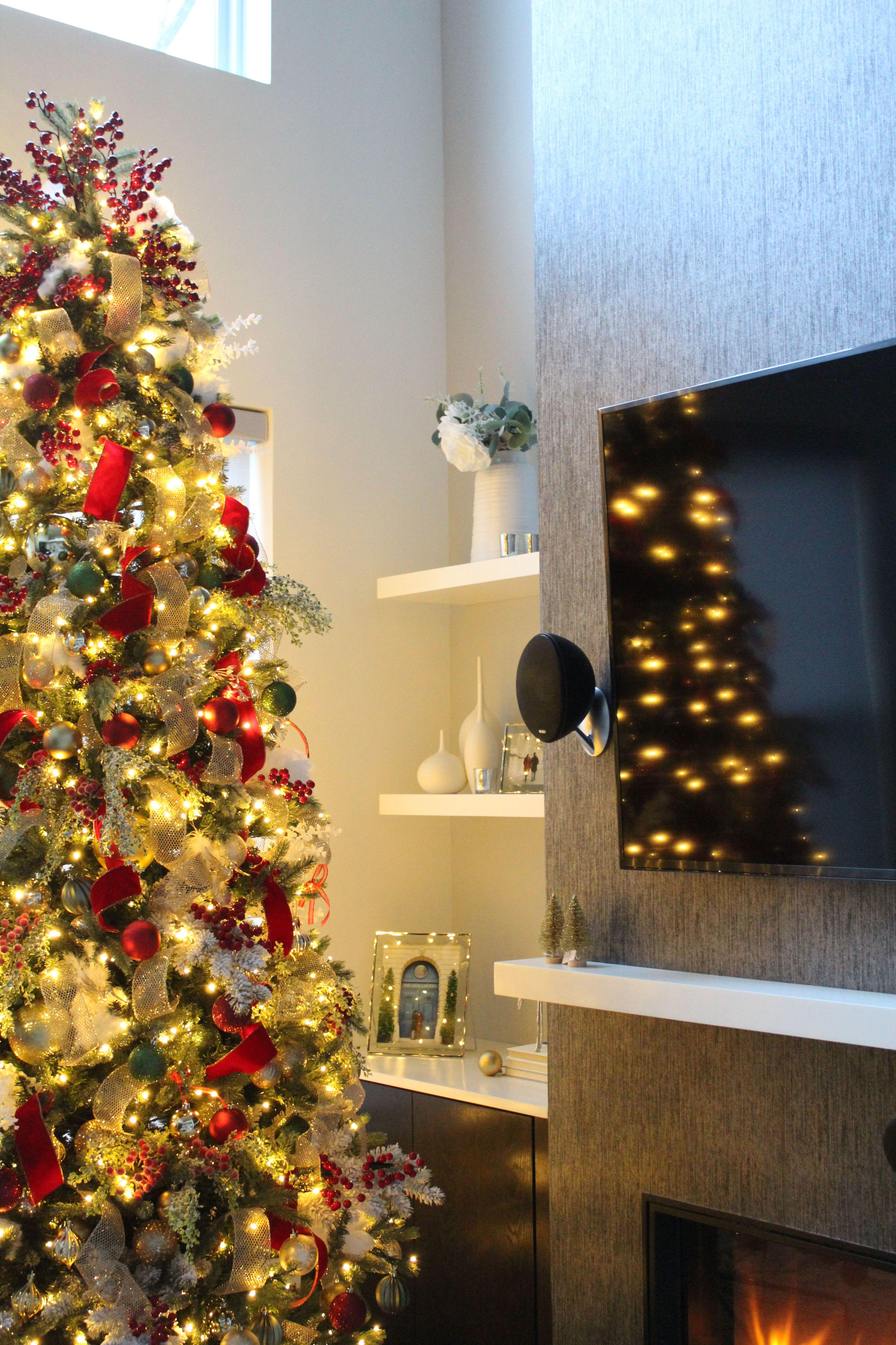 Merry Christmas Eve To All To All A Good Night Christmas Staircase Decor Decor Diy Holiday Decor
