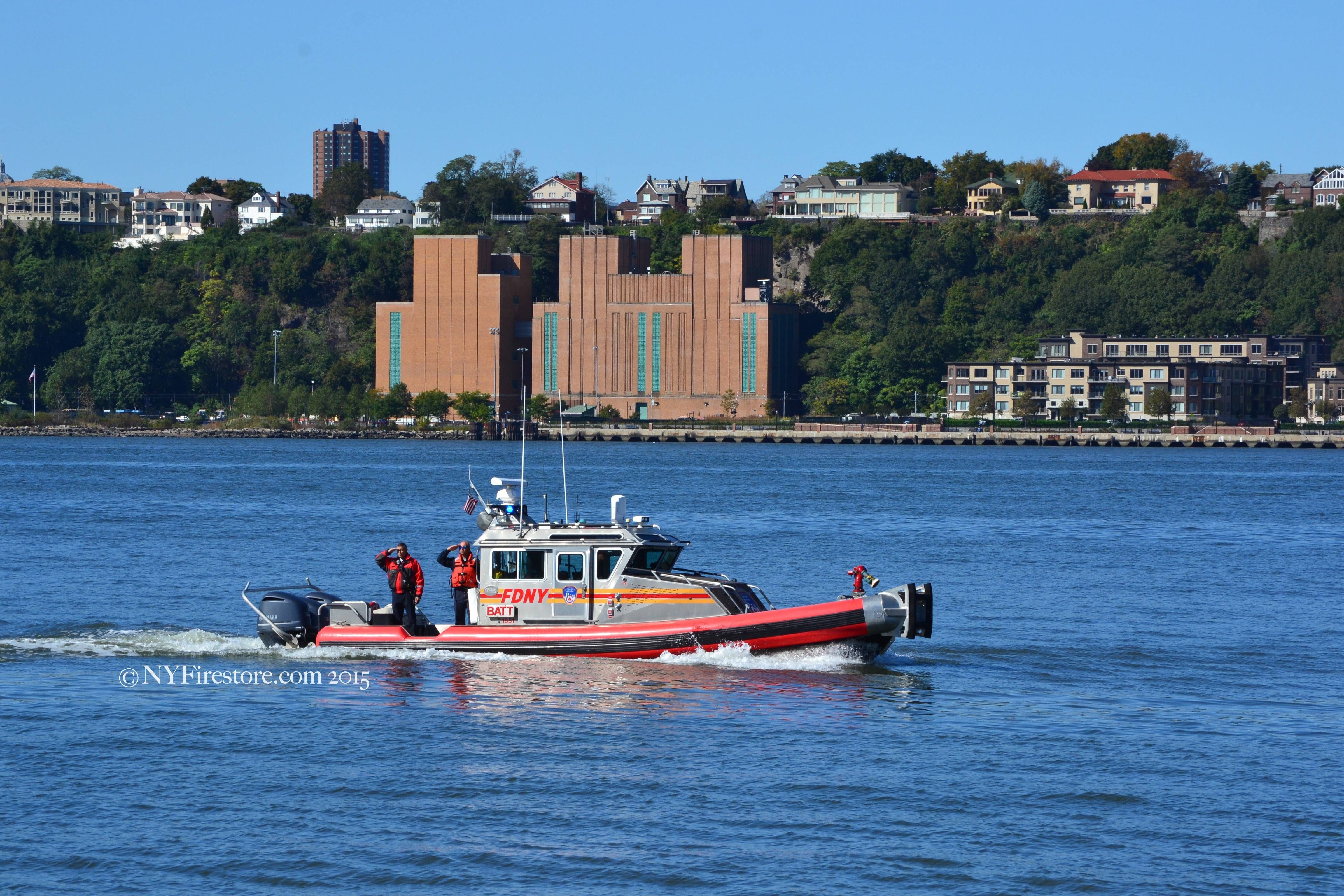 #FDNY Battalion Marine Unit on the Hudson River, #NYC