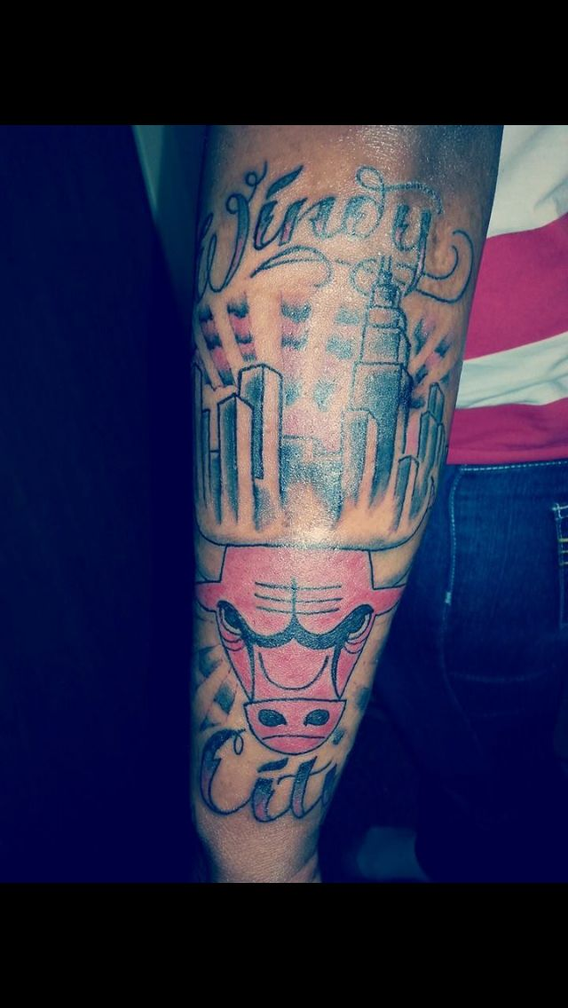 Saw this Chicago Bulls tattoo online. Love this!   Tats   Bull ...
