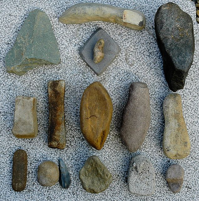 Tools Of Stone Native American Tools Native American Artifacts Stone Age Tools
