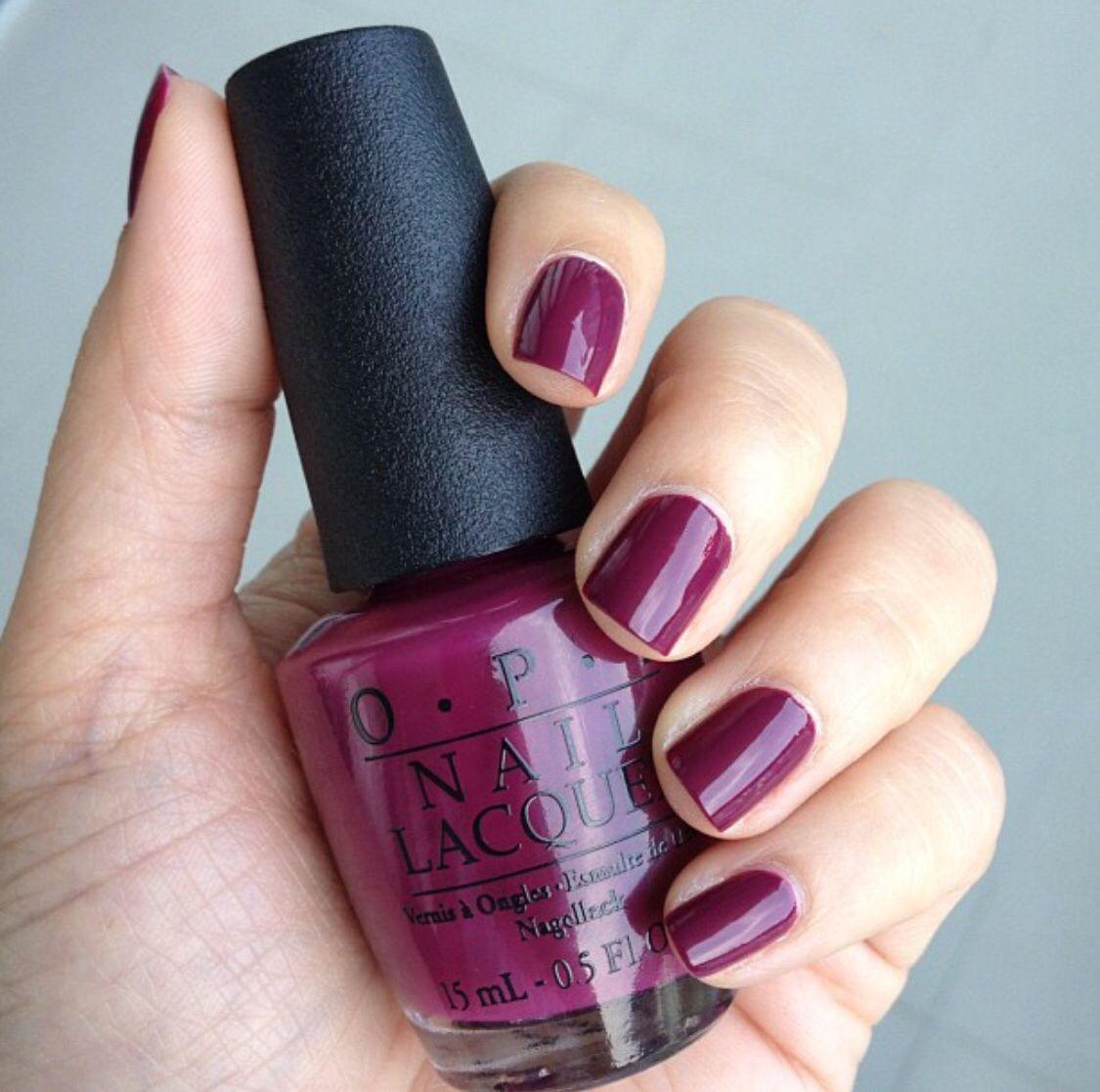 Mai adlı kullanıcının Nail polish panosundaki Pin | Chanel
