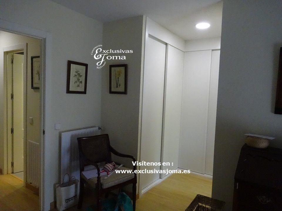 Reforma integral de dormitorio pintura pl stica lisa en paredes tarima flotante de kronoswiss - Paredes lacadas ...
