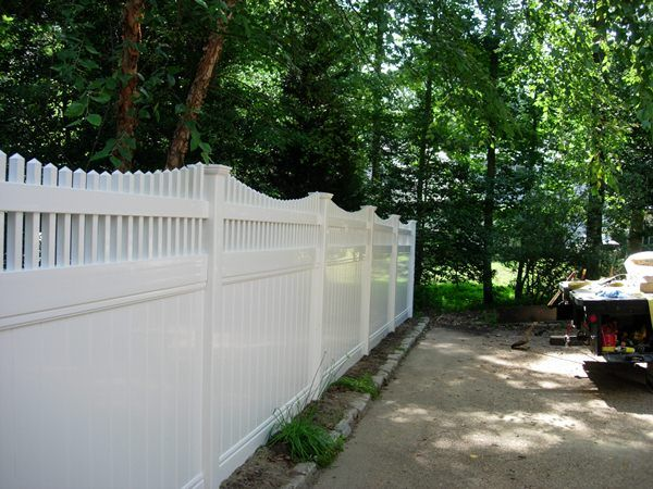 Privacy Vinyl With Picket Top Seegars Fence Co Vinyl Fence