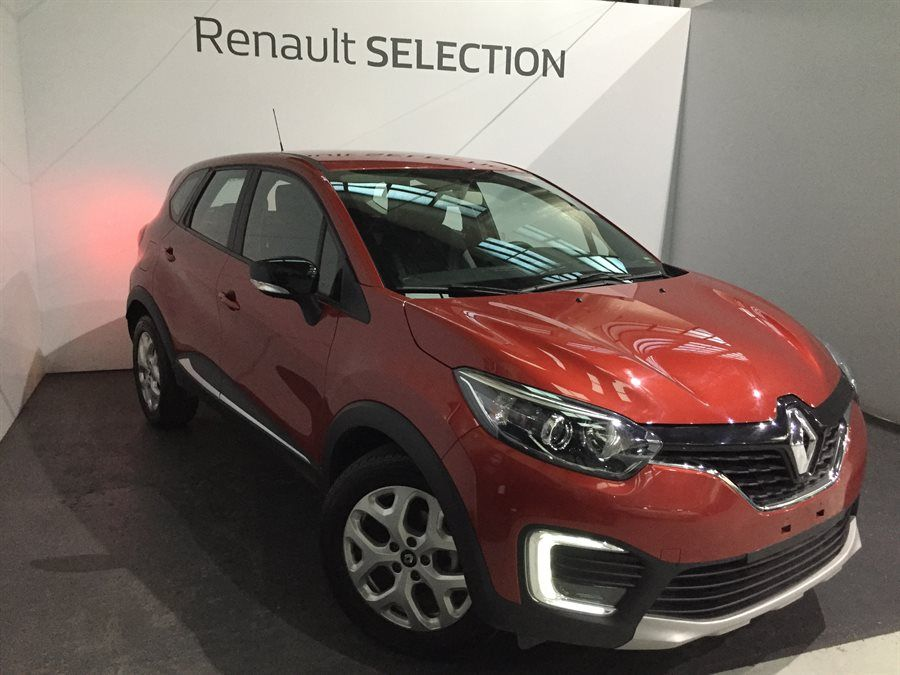 Renault Captur Grand Captur Zen 2018 En Color Bordeaux A Usd