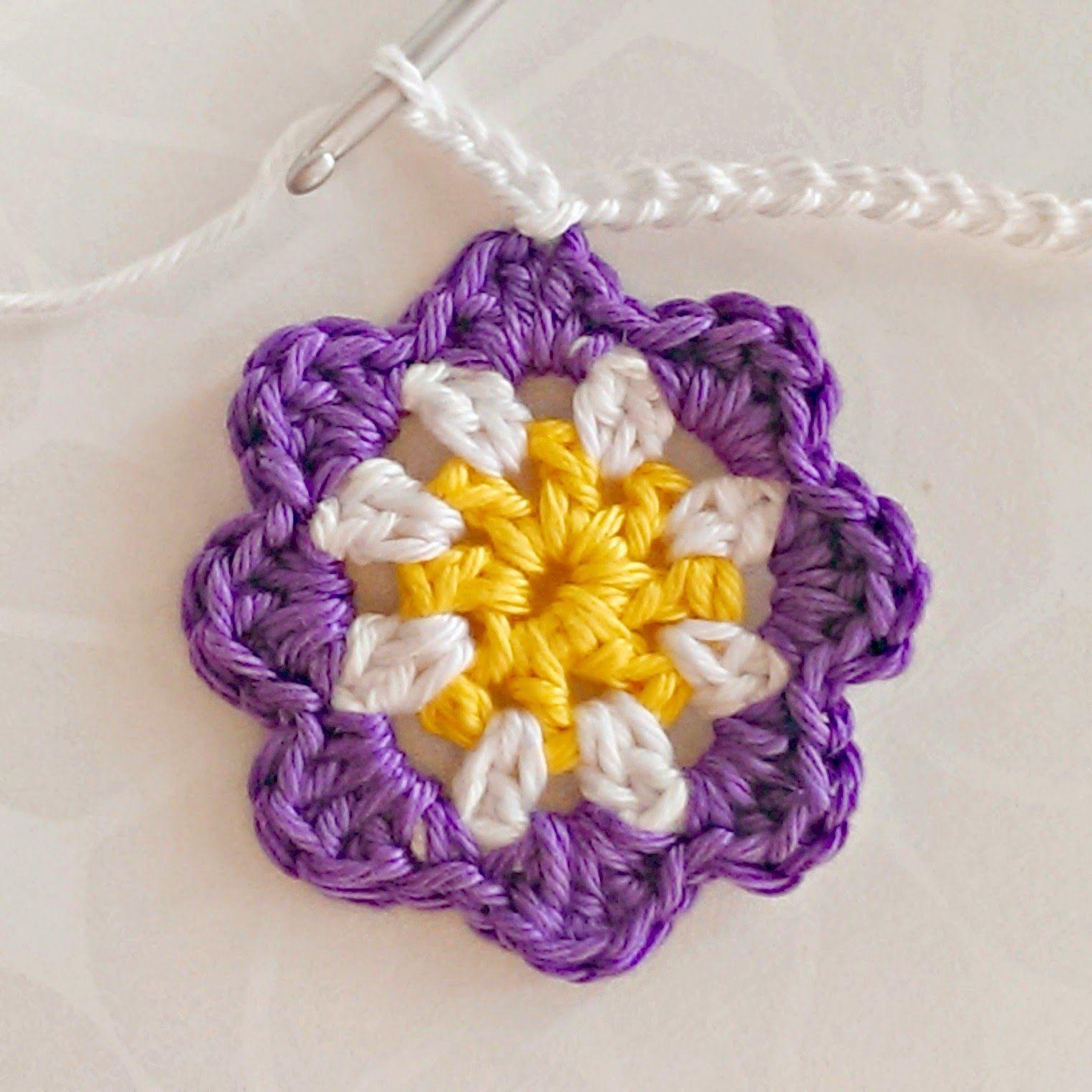 tuuma&toimi: Värikkäitä virkattuja kukkia