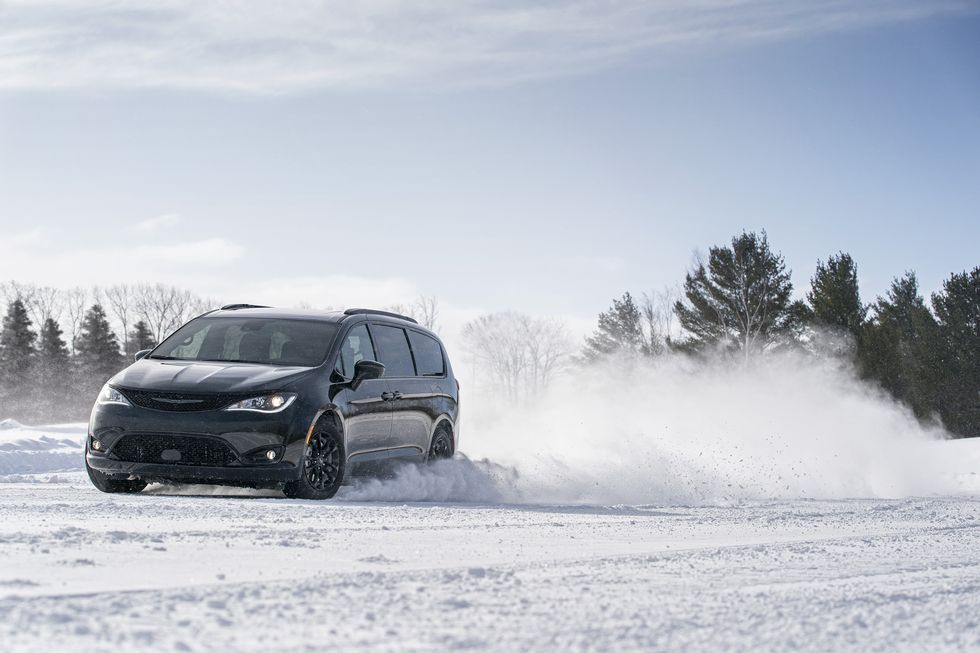 2020 Chrysler Pacifica Now Available With Awd In 2020 Chrysler Pacifica Awd Chrysler