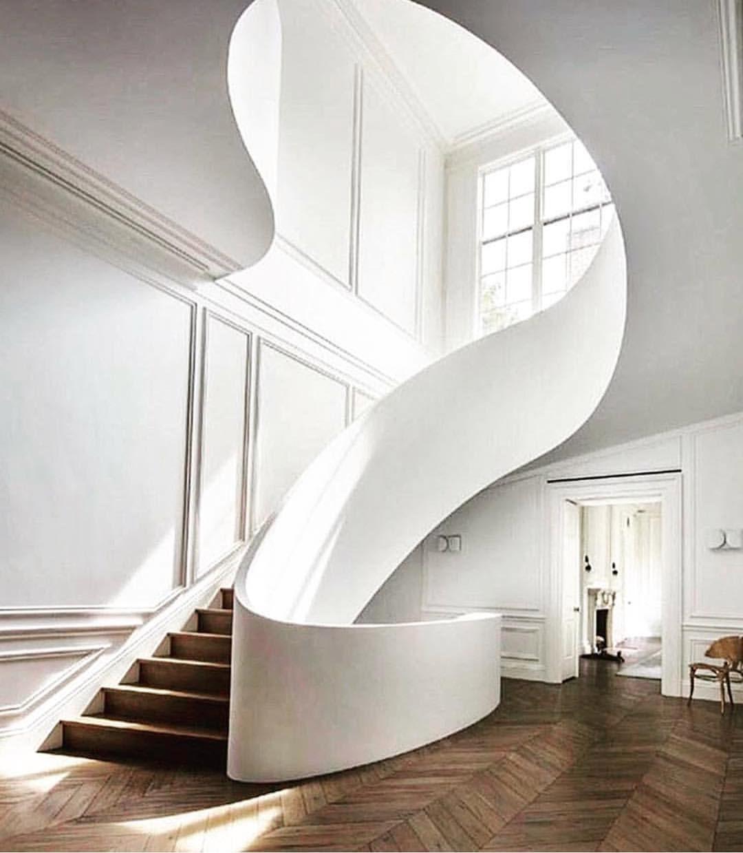 Home Decoration Design Minimalist Interior Design Staircase: Elegant, Sweeping Staircase #staircase #minimaldesign In