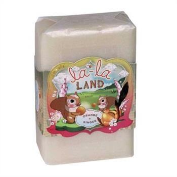 Willkommen im La La Land...<br>Schäume deine Sinne ein mit dieser magischen Seife, die herrlich fruchtig nach Orange, Cardamom, G...
