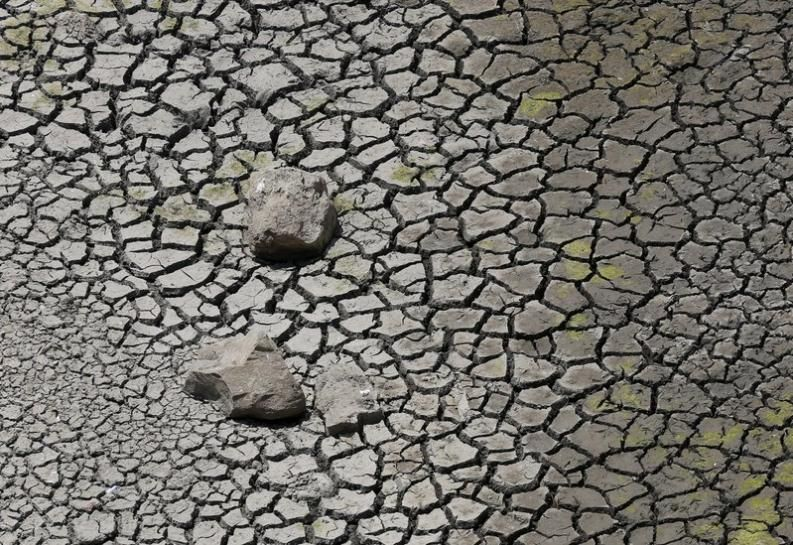 Water trains bring scant relief to drought-ravaged Indian state 04.27.16 The worst drought in four decades ravages crops, kills livestock, empties reservoirs and also hits water supplies in parts of India.