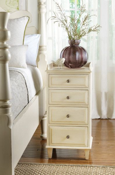 Economical On Space But Not On Style, This Eagle River Bedside Cabinet  Provides Storage Space
