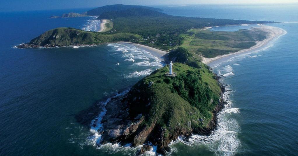 Ê beleza! Não há quem resista aos encantos da Ilha do Mel, no Paraná: http://abr.ai/1rOZuFM