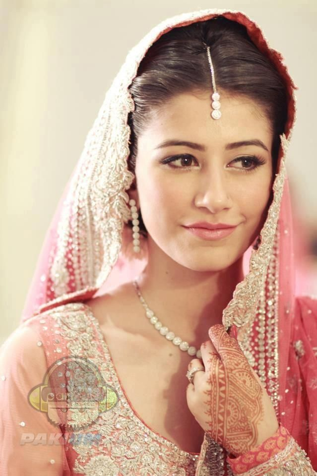 Saira Yousuf Wedding Simple Beautiful Bride