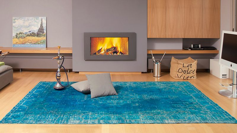 Der türkise Vintage Teppich macht aus einem schlichten Zimmer eine ...