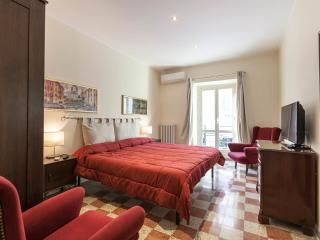 Vetusta Roma UPDATED 2018: 2 Bedroom Apartment In Rome With Washer And  Terrace   TripAdvisor