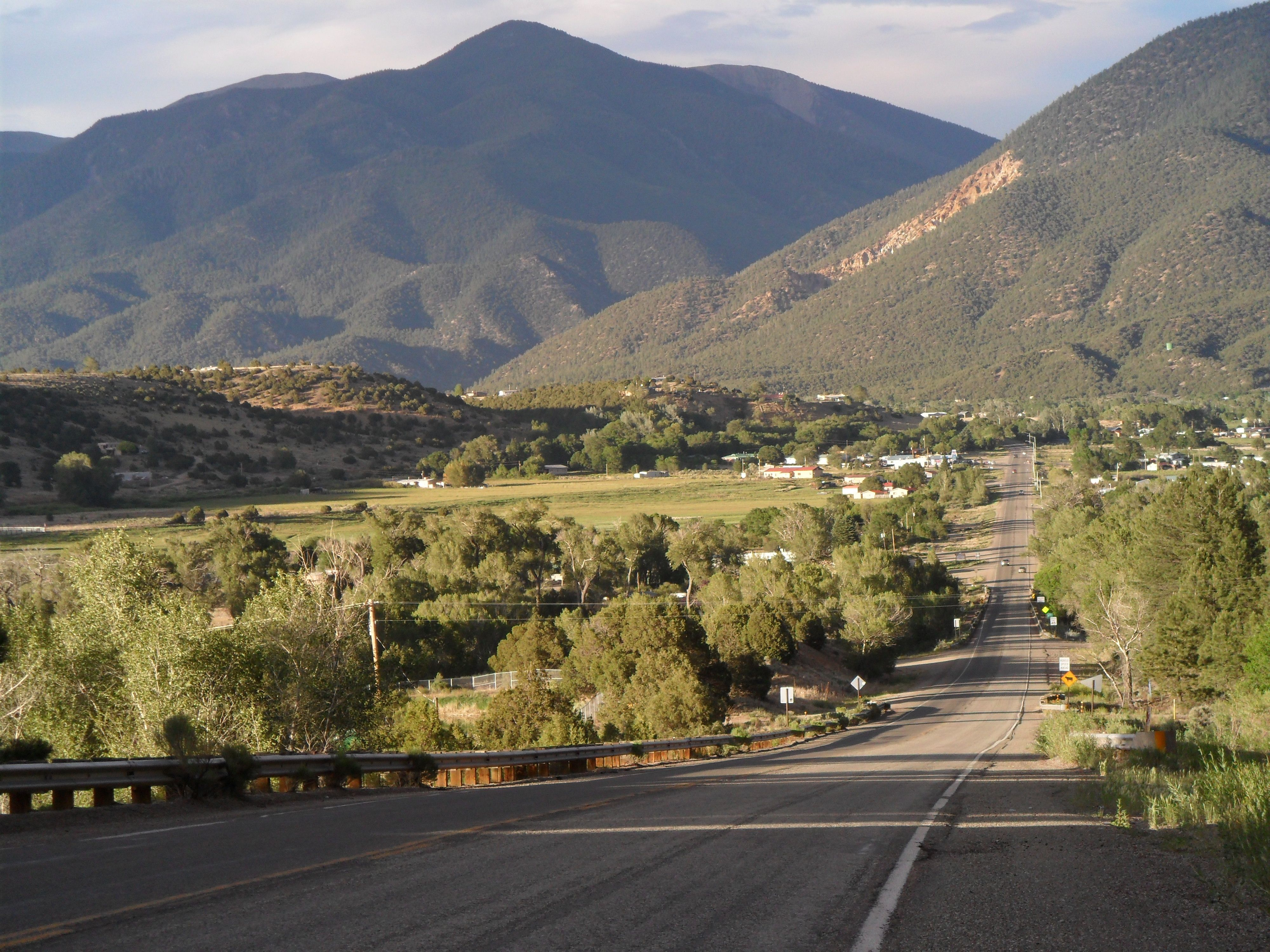 Highway Into Questa Nm My Hometown New Mexico Style Mexico