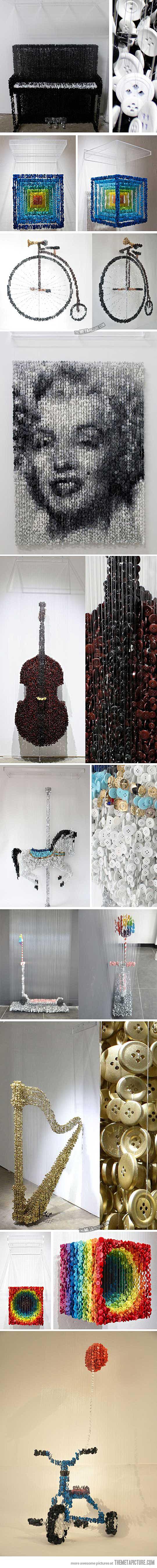 Esculturas feitas a partir de botões de costura suspensas ... / Sculptures made…