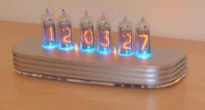 Z5700M Nixie Bundle Blast Finish Case Clock From Travelers