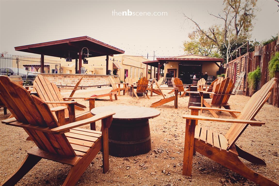 Bar Pour Haus New Braunfels Texas Outdoor Furniture