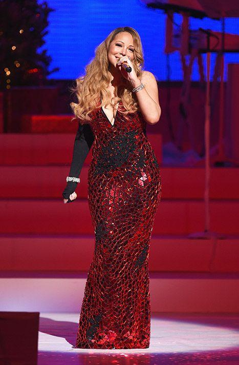 Mariah Carey Cries, Loses Shoe During Christmas Show   Mariah carey