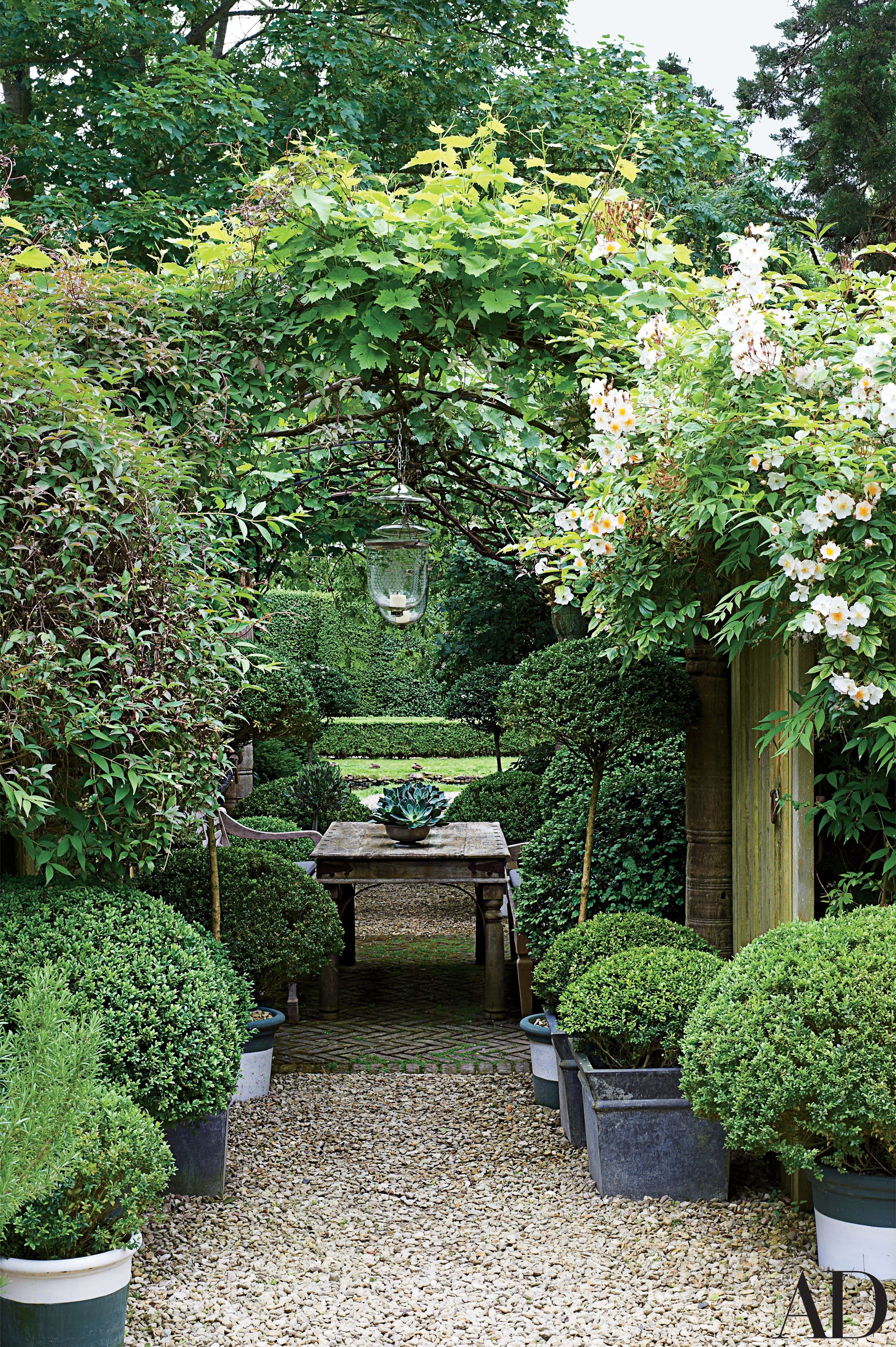 52 Beautifully Landscaped Home Gardens Beautiful gardens