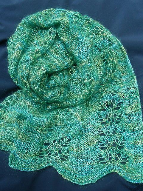Ravelry: Coral patrón de hojas bufanda por Lidia Tsymbal | Chales ...