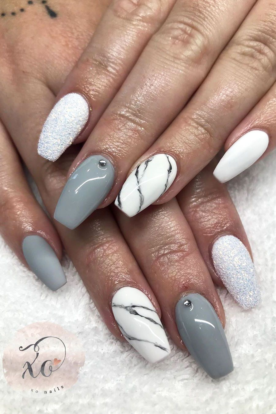 Cute Gray Nails With Glitter Coffin Shaped Design Lipstick Nails Nail Art Designs Grey Nail Designs