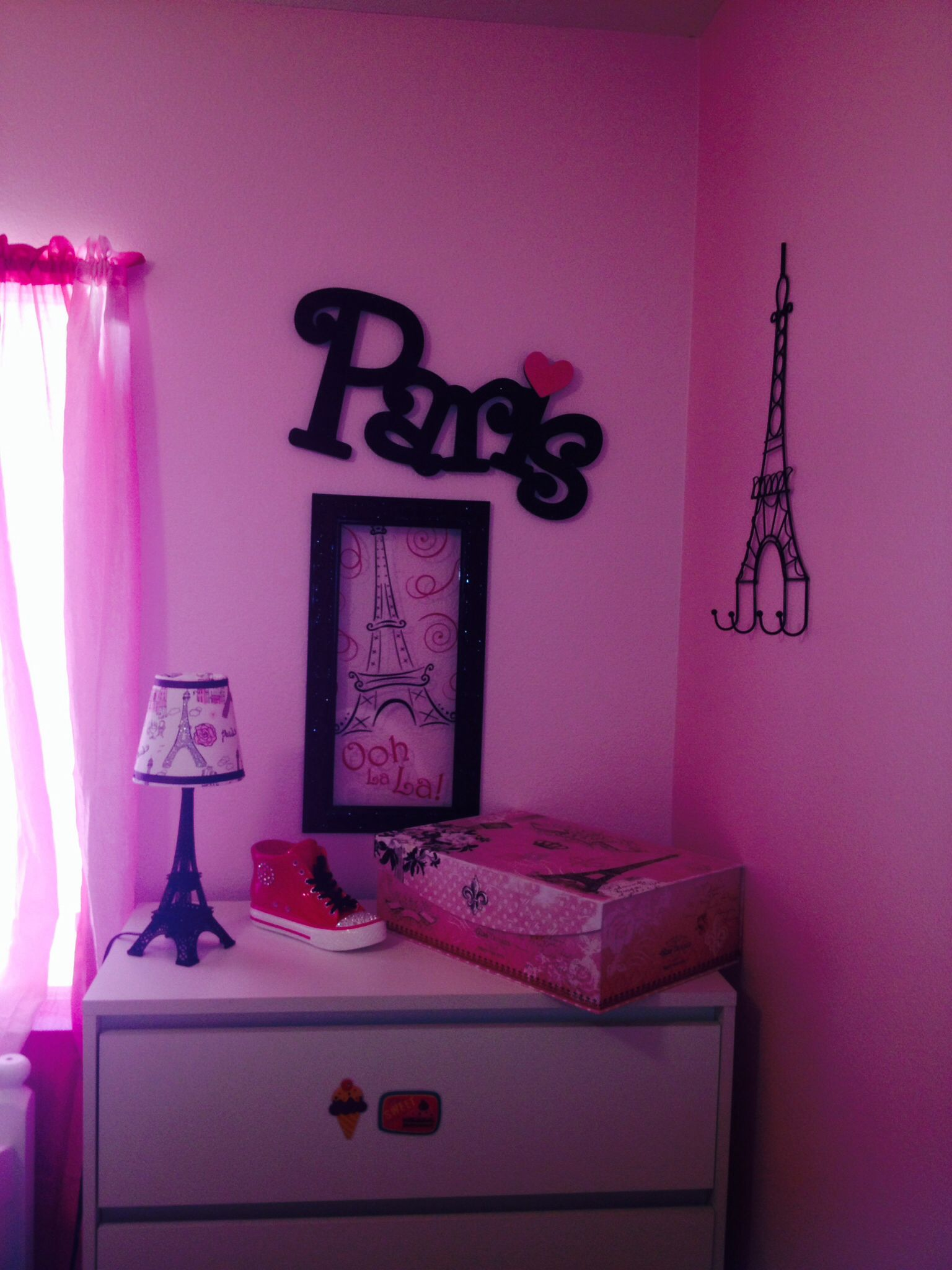 Paris bedroom paris themed bedroom pinterest for Decoraciones para cuartos