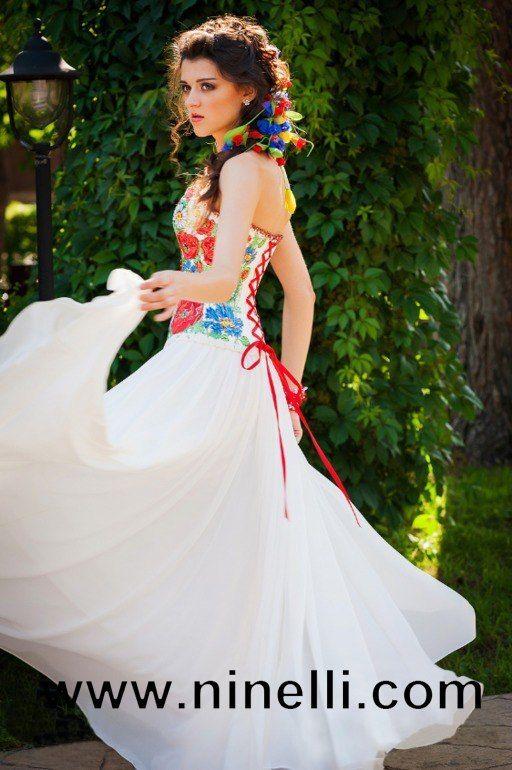 Вечірнє плаття з маками