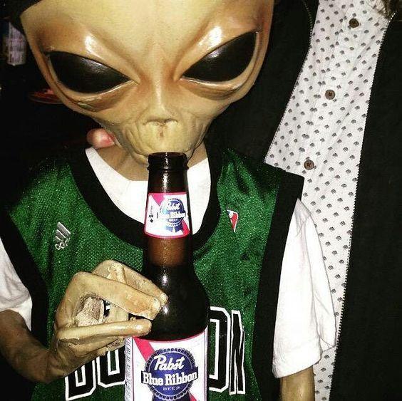 apparently aliens like Pabst Blue Ribbon beer | Alien ...