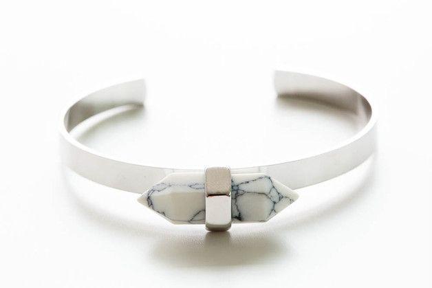 white stone bangle bracelet,unique bangle ☆Each product is ...