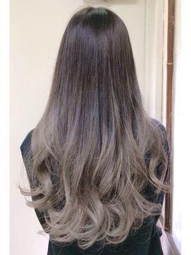 2016春夏最新 アッシュの髪色ベースのグラデーションカラー 髪型ヘア