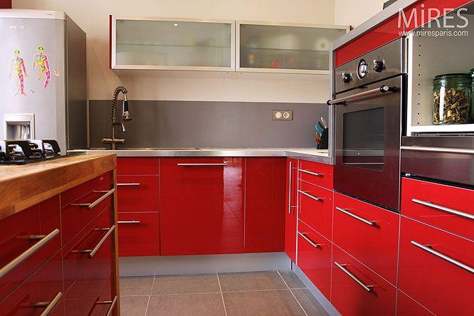 cuisine rouge avec carrelage gris Bútor Pinterest Provence - Photo Cuisine Rouge Et Grise