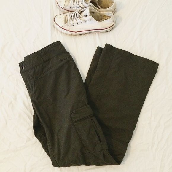 """Charcoal hiking camping cargo pants - 8 petite REI charcoal hiking cargo pants. Cargo pockets, zipper hip pockets, butt pockets and zip off at capri length. I'm 5'4"""" 130lb. and these are a little snug and short for me. REI NOT NORTH FACE :) North Face Pants Straight Leg"""