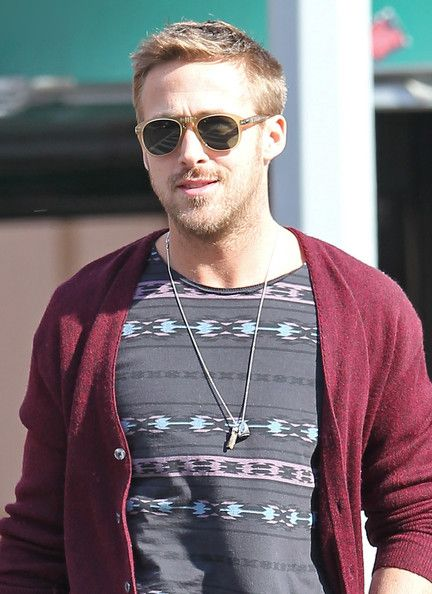 9069995cb8a Ryan Gosling in Ryan Gosling s Big Apple Stroll
