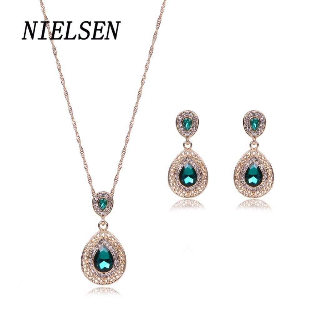 NIELSEN New Exquisite Fashion Crystal Necklace Earrings Two Piece