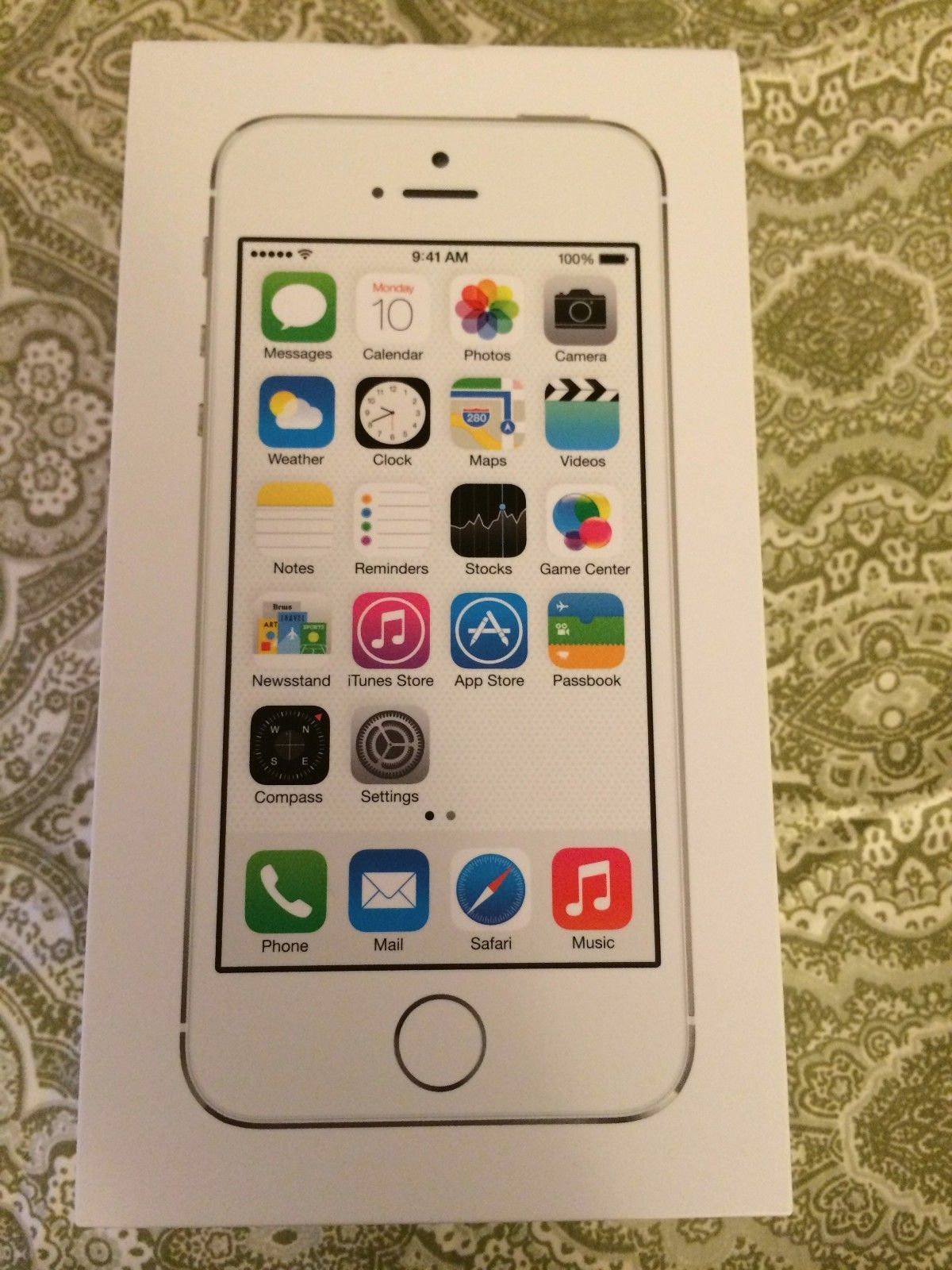 Apple iPhone 5s (Latest Model) - 16GB - Silver (AT&T) Smartphone - $400