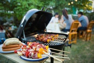 But Really: When Do You Close the Lid on Your Grill?