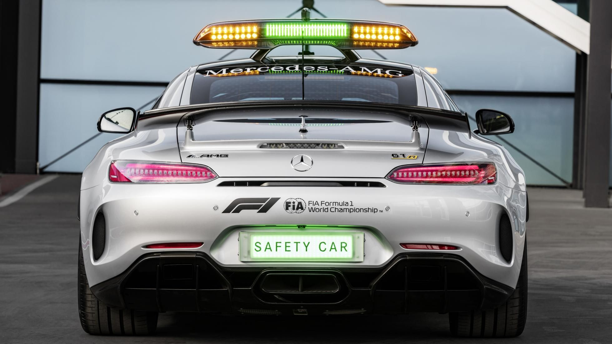 F1 Safety Car 2018 Amg Gt R Complete With 585bhp Mercedes Amg Gt R Car Safety Mercedes Amg
