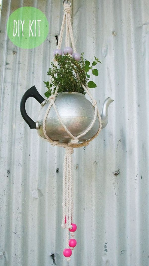 Photo of 20 Simple Yet Beautiful Hanging Teapots Decoration Ideas – Bored Art