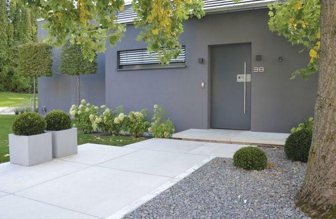 Tocano Eingangspodest Sichtbeton Grau, glatt Aussengestaltung - garageneinfahrt am hang