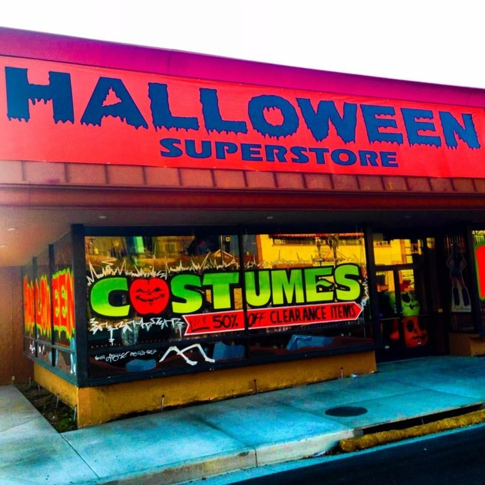 Costume store near Glendale. Visit for Halloween stuff