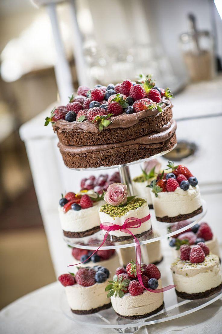 Hochzeitstorte Happines Farbe Liebe kleine Torte Mini Torte Torte mit Obst Torte… – Hochzeit