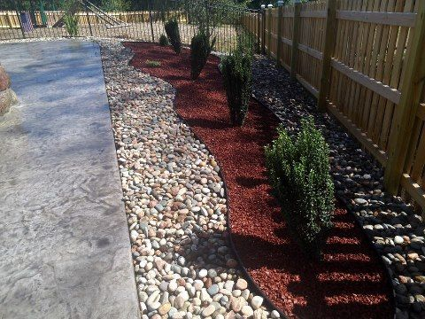 Using Rock And Rubber Mulch To Have Some Colorful Eding