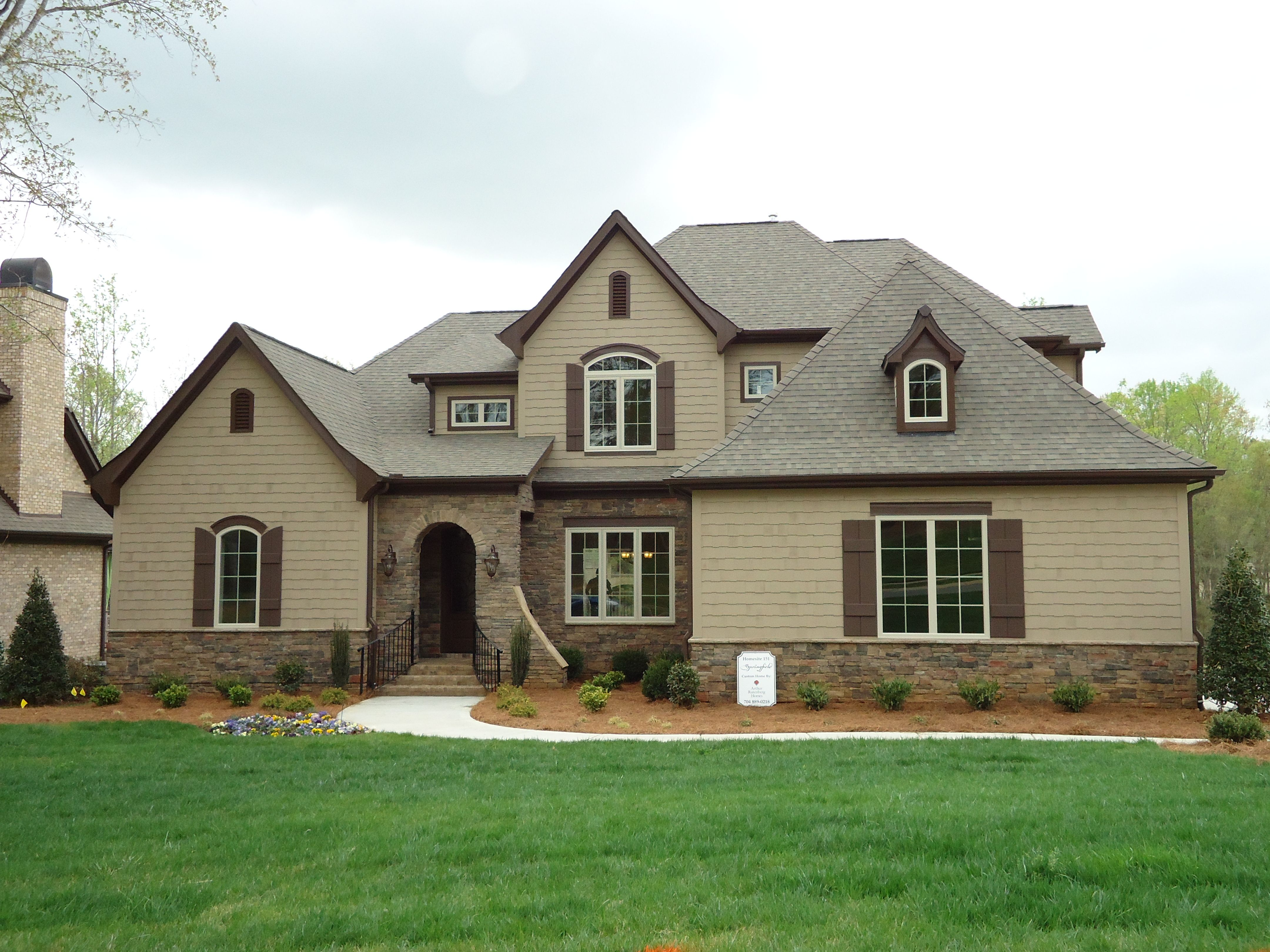 Best Arh Saddlebrook Plan 1160F Exterior 7 Roof Owens 400 x 300