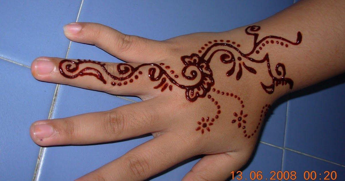 Gambar Henna Yang Mudah Dan Cantik Gambar Corak Henna Simple Balehenna Download Inspirasi Koleksi Henna Pengantin Yang Mem Di 2020 Henna Desain Henna Henna Tangan