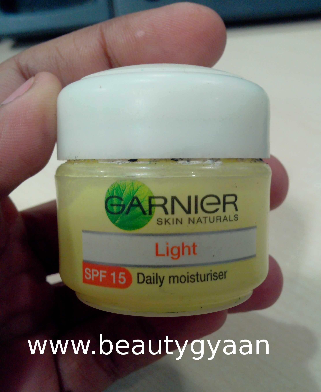 Garnier Skin Naturals Light Daily Moisturiser Spf 15 Review Moisturiser Daily Moisturizer Natural Skin
