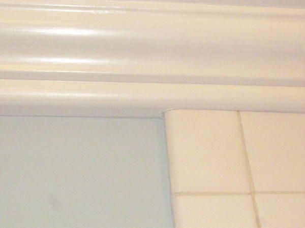 Crown Molding In Bathroom Transition From Wall To Tile Google Search