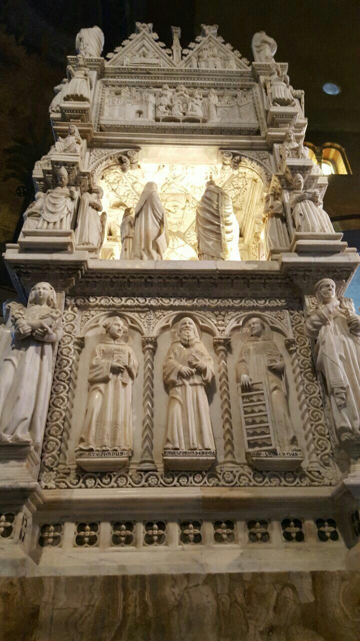 Arca di Sant'Agostino in San Pietro in ciel d'Oro a Pavia ...