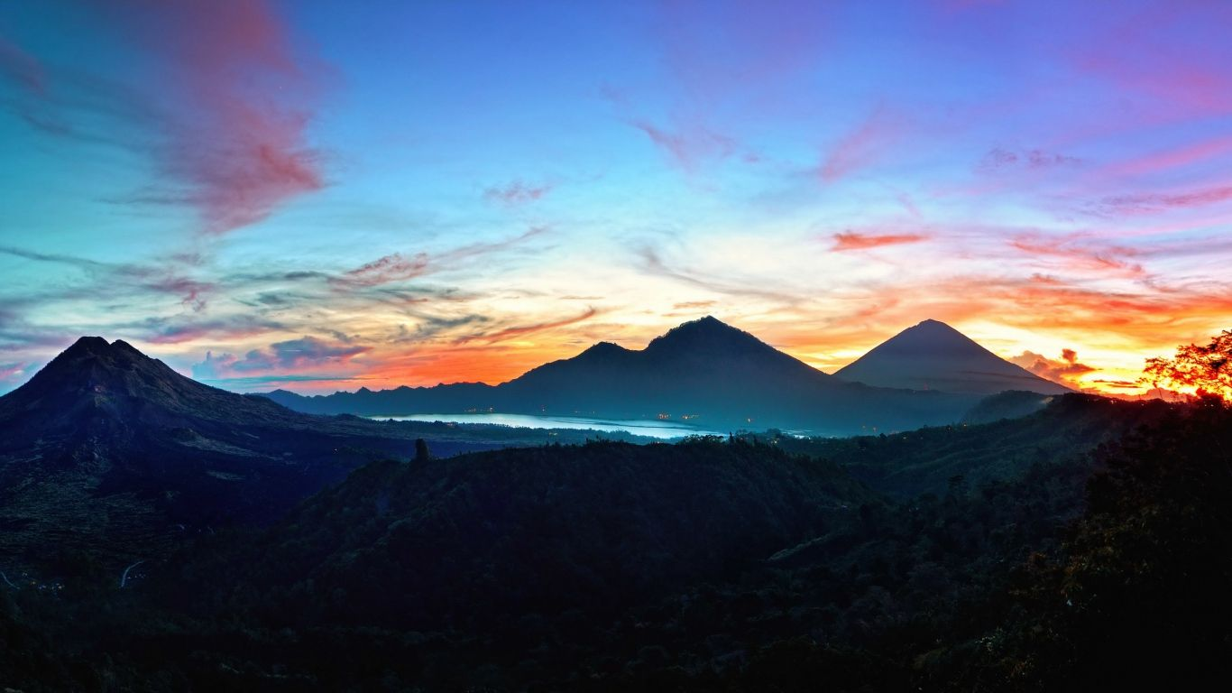 Download Wallpaper 1366x768 Mountains Sky Bali Sunrise Kintamani Indonesia Laptop 1366x768 Hd Backgro Macbook Wallpaper Nature Wallpaper Desktop Wallpaper